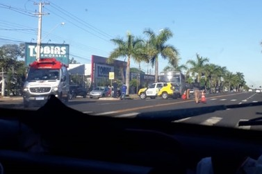 Motociclista fica ferida após acidente com ônibus na Heitor de Alencar Furtado