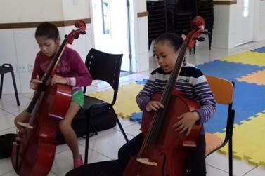 Aulas de música serão estendidas a todas as escolas municipais a partir de 2022