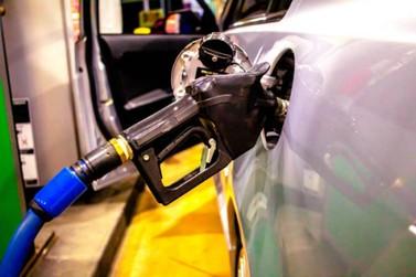 Litro da gasolina pode ser encontrado a R$ 5,89 em alguns postos de Paranavaí