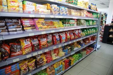 Paraná altera decreto e amplia horários de funcionamento dos supermercados