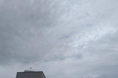 Quinta-feira nublada e com possibilidade de chuva a qualquer hora do dia