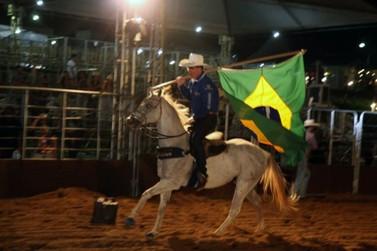 Rodeio foi a principal atração do primeiro dia da ExpoPorto