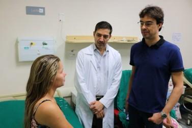 Cirurgiões realizam reconstrução de orelhas a partir da cartilagem das costelas