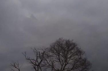 Quarta-feira será de céu nublado durante todo o dia