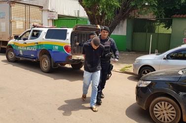 Três homens são presos acusados de roubo a residência