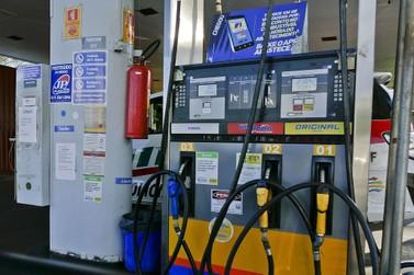 Preço da gasolina teve uma leve queda em dezembro em comparação com novembro