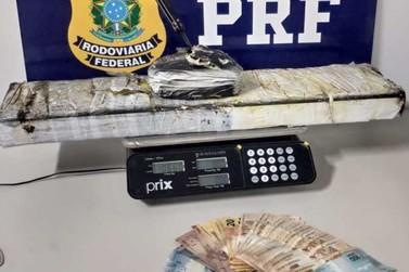 PRF descobre mais de 10kg de cocaína em fundo falso de veículo