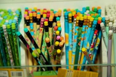 Procon alerta pais com a compra de materiais escolares e matrículas dos filhos