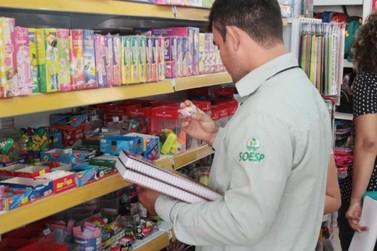 Procon divulga tabela com preços de materiais escolares
