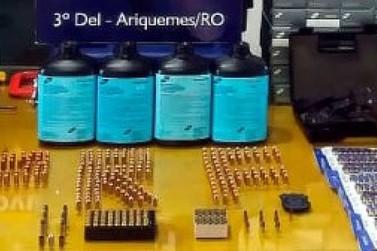 PRF prende dupla com arma de fogo, munições e quase 30 mil unidades de espoleta
