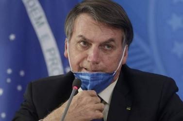 Bolsonaro revoga MP que permitia suspensão de contrato por até 4 meses