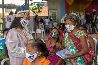 Bolsonaro sanciona com vetos lei para proteger indígenas durante pandemia