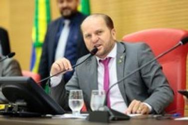Deputado propõe contratação de médicos formados no exterior para suprir demanda