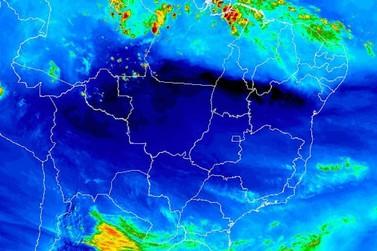 Domingo amanhece ensolarado, mas deve chover em todas as regiões rondonienses