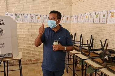 Candidatos à Prefeitura de Porto Velho votam em escolas da cidade