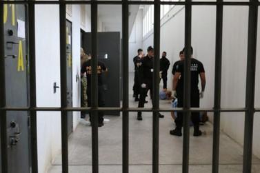 Sob novas regras, presos voltarão a receber visitas presenciais
