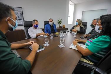 Alex Redano se reúne com lideranças de Itapuã do Oeste para apoiar o município