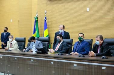 Deputados aprovam R$ 17,3 milhões e garantem auxílio de R$ 100 a 27 mil famílias