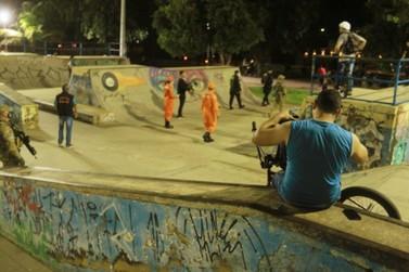 Força-tarefa flagra aglomerações no Skate Park e Espaço Alternativo na capital