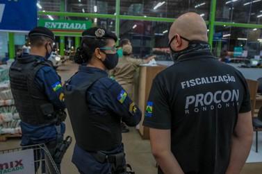 Operação Restrição interdita estabelecimento por descumprir decreto, na capital