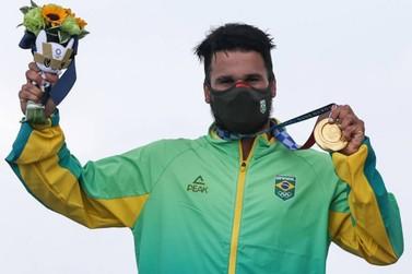 Italo Ferreira conquista 1º ouro do Brasil na Olimpíada de Tóquio