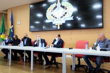 Deputados anunciam criação de grupo para discutir reforma da previdência em RO