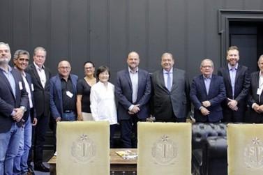Deputado se reúne no Bandeirantes em busca de soluções para o Vale do Ribeira