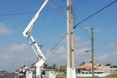 Ilha assina ordem de serviços para expansão da iluminação pública