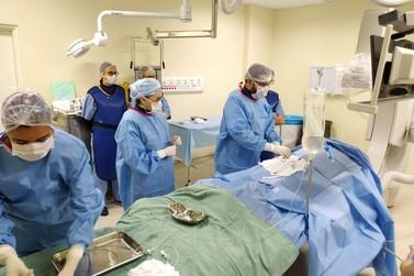 Hospital realiza procedimento inédito no Vale para corrigir aneurisma cerebral