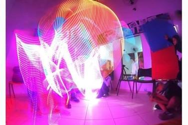 Ilha Jovem inicia oficina de Light Painting com o professor Fernando Caixeta