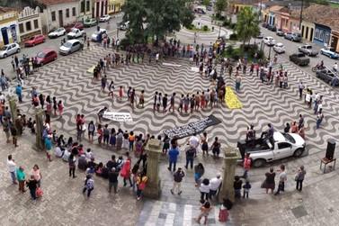 Índios Guarani Mbya do Vale protestam em defesa de direitos territoriais