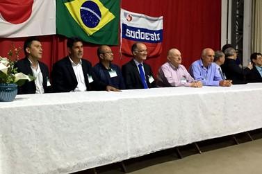 Prefeito Nilton Hirota participa de jantar com políticos da região sudoeste