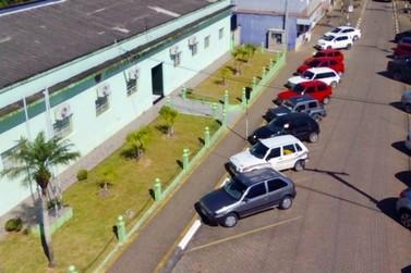 Prefeitura de Pariquera-Açu divulga edital de concurso com 24 vagas