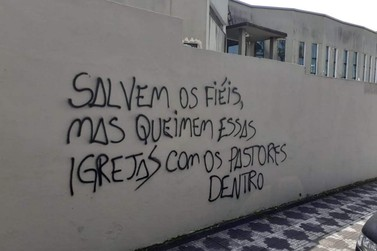 """""""Salvem os fiéis, mas queimem essas igrejas com os pastores dentro"""""""