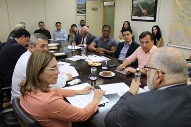 Secretário anuncia liberação de R$195 milhões para recuperação de estradas