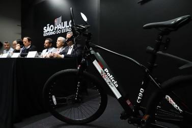PM de São Paulo recebe 100 bicicletas elétricas