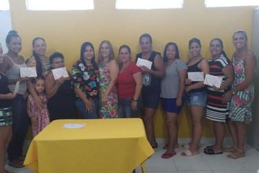 FSS realiza entrega de cerificados para alunas do curso de manicure e pedicure