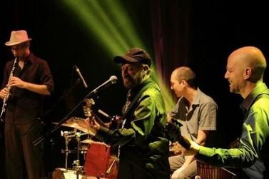 João Bosco e Mano a Mano Trio tocam hoje no Festival Iguape Verão 2020