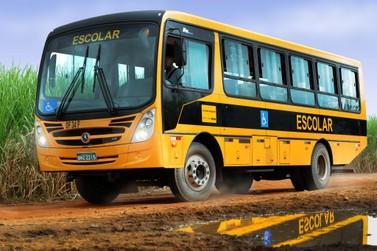 """Programa """"Caminho da Escola"""" aporta com ônibus em Sete Barras"""