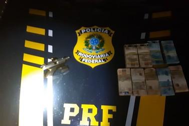 PRF prende homem por porte ilegal de arma