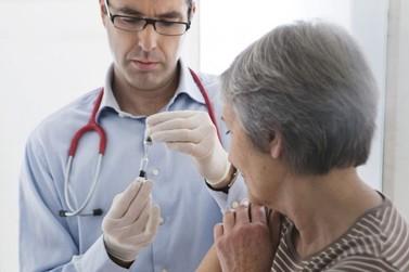 Com novo recorde, SP aplica 4,8 milhões de vacinas contra a gripe e alcança 84%