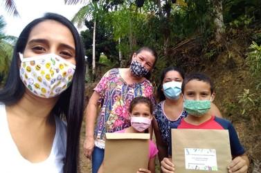 Cidade entrega mais de 2 mil kits de materiais didáticos para atividades remotas