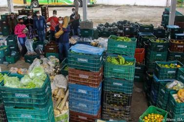 Quilombolas e caiçaras distribuem 15 toneladas de alimentos para vulneráveis