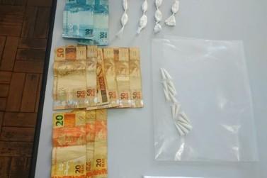 PM apreende adolescente por tráfico de drogas em Cananéia
