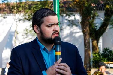 Prefeito cassado em Cananeia fala sobre posse da vice nesta segunda-feira