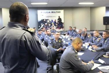 Polícias de SP garantem a segurança dos eleitores no primeiro turno das Eleições