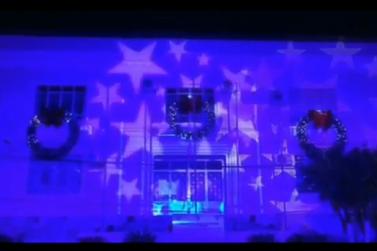 Espetáculo de projeção de luzes na Prefeitura de Registro