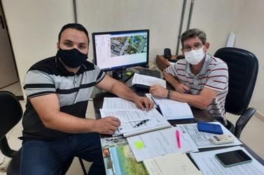 Vereador quer soluções para danos nas vias públicas causados por concessionárias