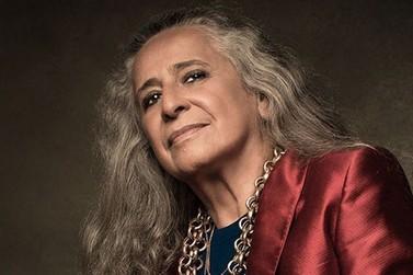 Maria Bethânia celebra 56 anos de carreira com live no Globoplay