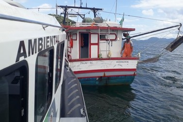 Polícia Ambiental Marítimo flagra pesca irregular na Ilha Comprida